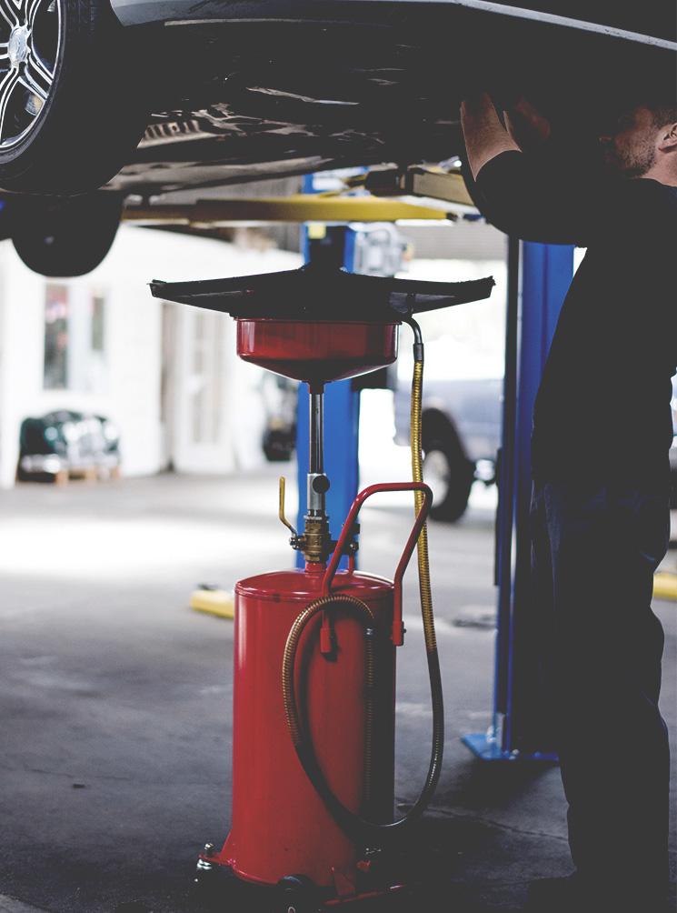 Revisión general / cambio de aceite del automóvil