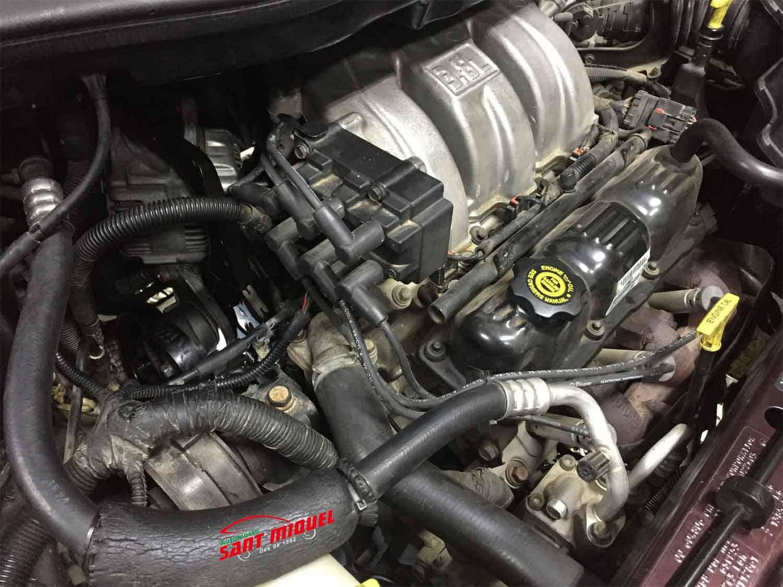 Chrysler Grand Voyager 3.8 G 131kw 1998 vista general de motor